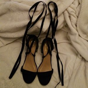 Lulus shoes brand new wrap around heels